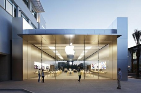 New Apple store in Arizona set to open soon.